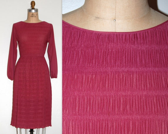 Day Dress Extra Small.  Vintage 70s Pink Cinched W