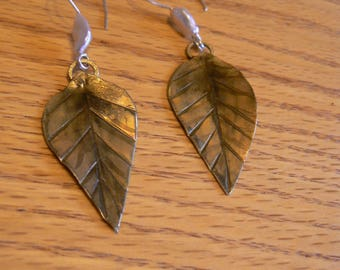 Brass leaves with pearls