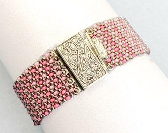 Multicolor bead cuff bracelet/pink seed bead bracelet/boho bracelet/jewelry gift/peyote bracelet/bracelet for women/beaded jewelry