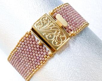 Peach seed bead bracelet/beaded bracelet/boho jewelry/womens bracelet/peyote bracelet/gift forher