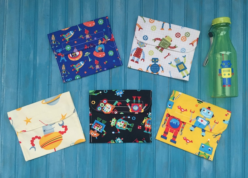 Reusable Snack Bag Set With Water Bottle Robots image 0