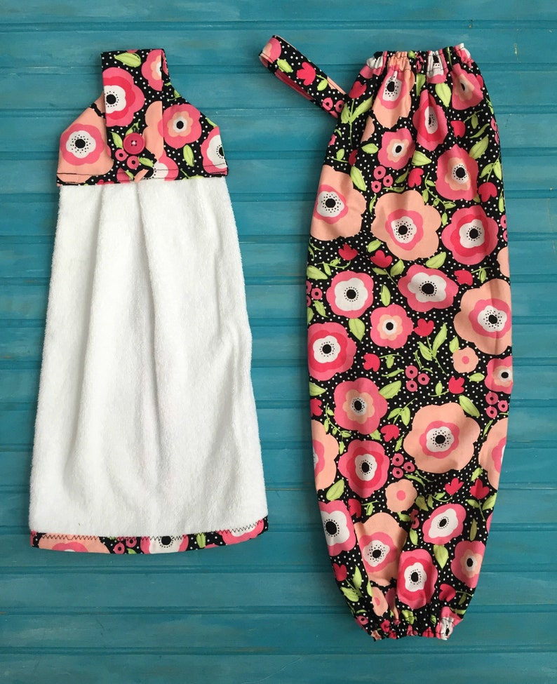 Hanging Dish Towel and Grocery Bag Holder Set Pink Blooms image 0