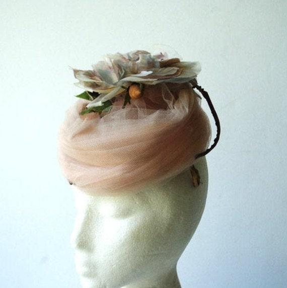 Glamour vintage 50s , dusty rose net lace fascina… - image 1
