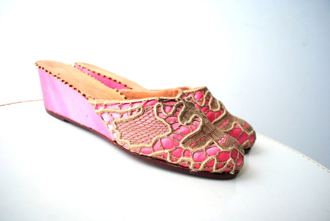Exotic Vintage 50s Pink Satin Hand Made Wedges Slippers - Big Sale uFa7M