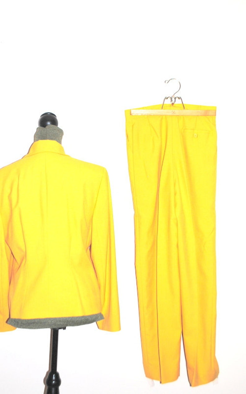 Beverly Hills Giovanni London Paris Luxurious vintage 80s canary yellow  rayon blend suit.Made by Valentino Rome Size Medium.