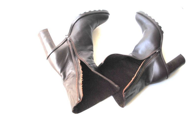 Made by Spiegel in Italy 8 12 Size 8 Classy vintage 90s dark chocolate brown genuine leather boots with a chunky heel