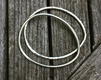 Silver egg-shaped bangle, hammered .925 sterling silver, thin bangle – a gift for the hen-lover