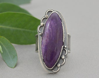Large Sugilite Ring. Big Purple Stone Ring. Floral Botanical Rustic Style Textured Sterling Silver Ring. Metalsmith Jewelry. Size 8.5