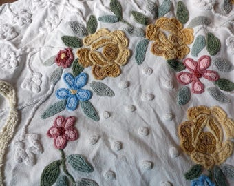 Vintage Chenille Bedspread Cabin Craft Floral Design Dots Vines Needle Tufted Country Cottage Shabby Chic Farmhouse