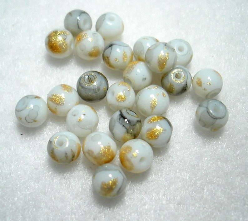 B4971 Qty 24 Grey Gold Leaf Glass Round 6mm Beads