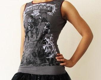 Grey and Black Beetle Juice t-shirt dress - Size meduim - One of a kind -  Kezbirdie