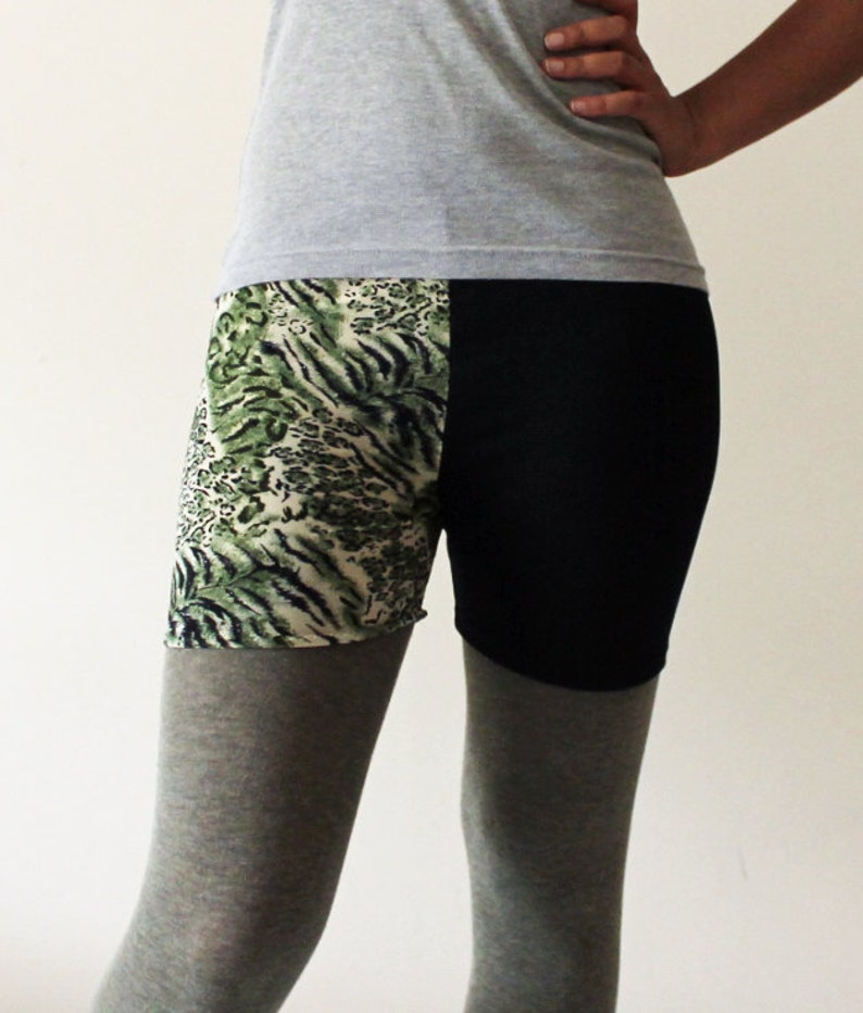 Green Animal print and black lycra shorts    Size Medium  image 0
