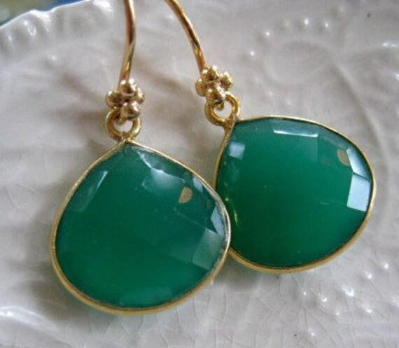 Green Onyx Minimalist Earrings-Minimalist Gemstone Earrings-Emerald Green