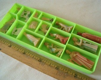 Vintage Miniature Nativity Early Plastic  15 Pieces  with original box made in Hong Kong