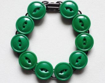 Green Vintage Fisheye Button Bracelet