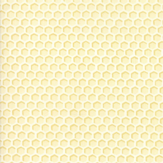 """Sold by 1//4 yard White Floral Laurel White 19871-15 Bee Joyful 44/"""" fabric"""