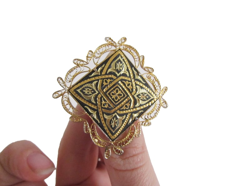 Costume Jewelry Vintage Gold and Black Etched Brooch Gold Tone Mother/'s Day Gift Grandmother Abstract Square Diamond Filigree Pin