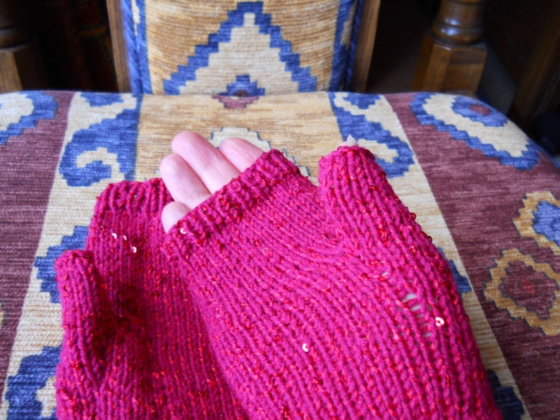 beautiful ladies fingerless gloves christmas red sparkly gloves