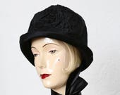 1920s Cloche Hat . Black Velveteen