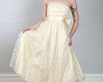 c2a6eb882ee Lace and satin dress