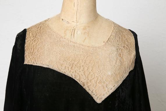 1920s Velvet Lace Flapper Dress - image 2