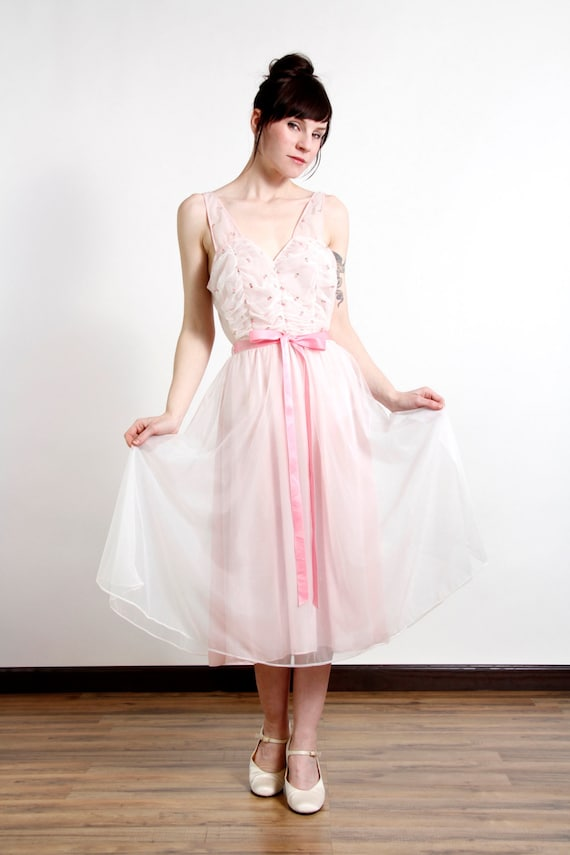 Pink Night Gown . Vintage Lingerie