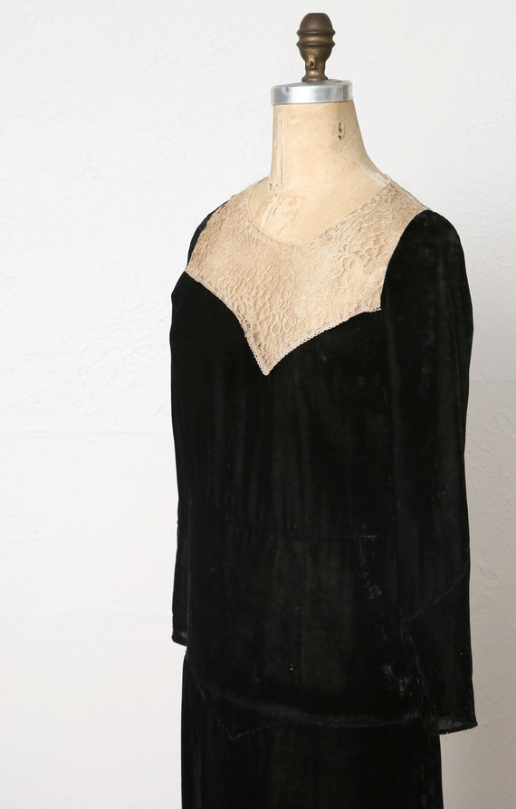 1920s Velvet Lace Flapper Dress - image 5