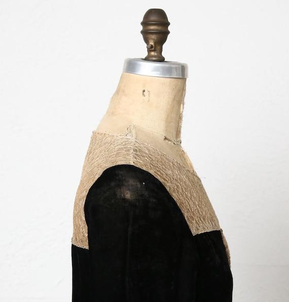 1920s Velvet Lace Flapper Dress - image 9