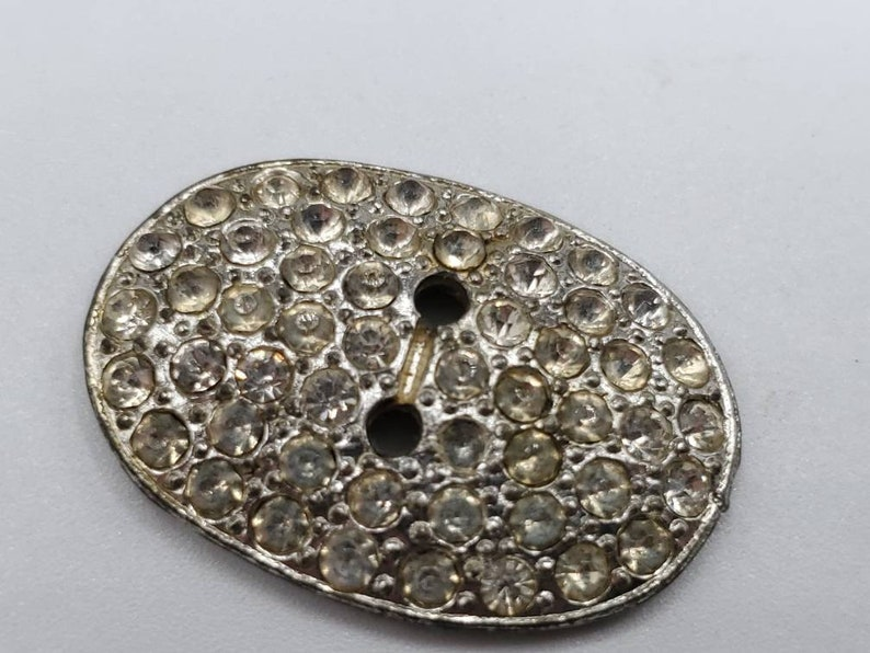 1 beautiful large size 1 18 28mm faux pearl oval design sew through rhinestone jan 207 21 Vintage Button