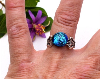 84 Fused dichroic glass ring, adjustable, round, sparkly blue, antiqued silver plated, violin design