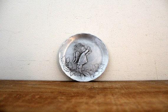 vintage 50s Tulip Flower Hammered Aluminum Lidded Glass Trinket Jewelry Dish  Retro Dresser Decor