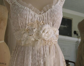 Wedding Dress Sash, Boho wedding. flower sash, ribbon sash, ivory sash, Lace Sash, vintage, one of a kind, beach wedding, Wedding Gown Sash