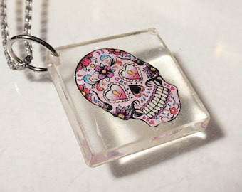 Sugar Skull Pendant or Clear Acrylic Sun Catcher Day of The Dead Stained Glass Key Chain Decoration Hangy Thing Ornament Dangle D3
