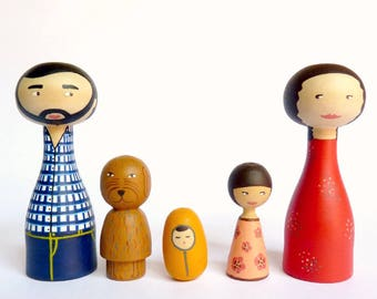 Free shipping Wood Family of 5 Portrait Dolls children, pet OOAK - Personalized Wooden hand painted father mother dog cat
