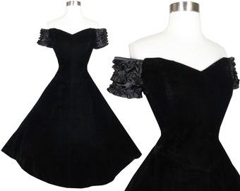 Vintage 80s 50s Black Velvet Full Skirt Prom Party Dress M Medium Smocked Off Shoulders Short Sleeves Holiday Pinup Rockabilly Swing Dance