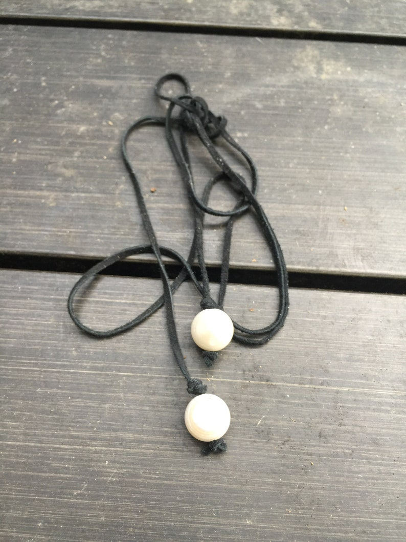 Baroque Pearls and Deerskin Leather Lariat Necklace    Bohemian Jewelry   Wrap Necklace    Bolo Tie