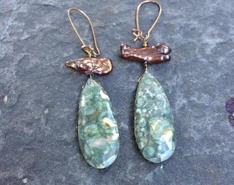 Dotted Green Jasper Teardrop Briolette and Stick Pearls Dangle Earrings  Pearl Jewelry  Vintaj Jewelry   Brio Earrings  Pearl Earrings