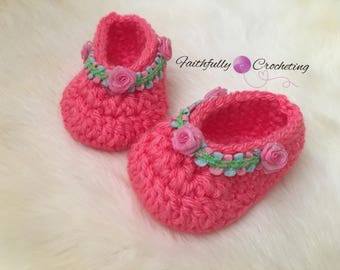 07df2e6fca2e8 Items similar to SALE Newborn girl shoes... baby boots.. coral and ...