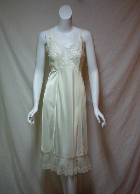 1940s Mary Barron Full Slip, Women's Size 34, Ivor