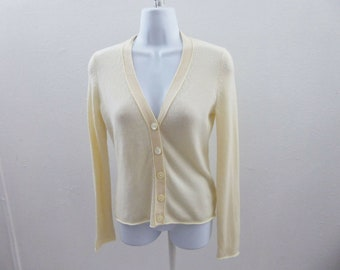 4da01333c72 100% Cashmere Sweater Size XS Cream White Cardigan Banana Republic 36 Chest