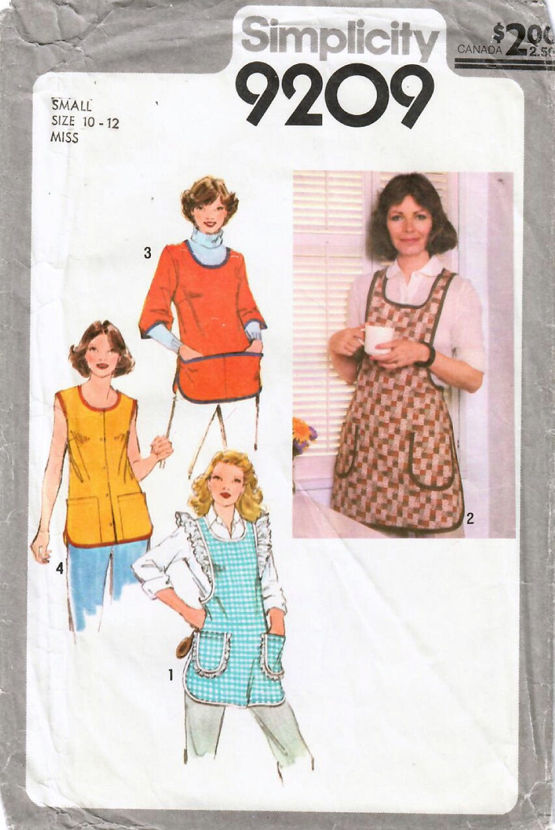 1970s Simplicity 9209 Vintage Sewing Pattern Misses Full Small (10-12)
