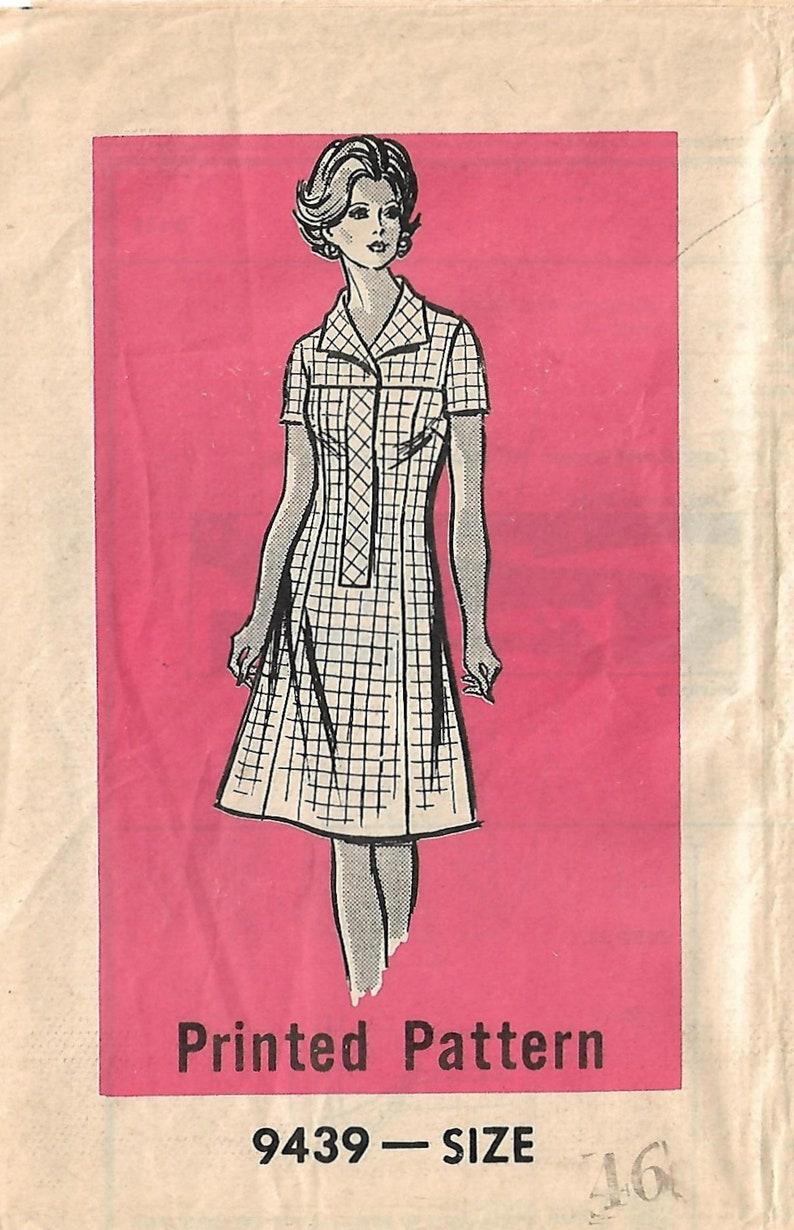 1970s Mail Order 9439 UNCUT Vintage Sewing Pattern Women's image 0