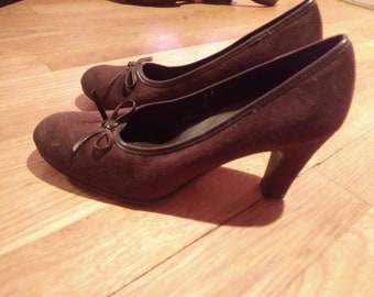 Brown suede heels -made by Predictions- Size 5-1/2 -worn little