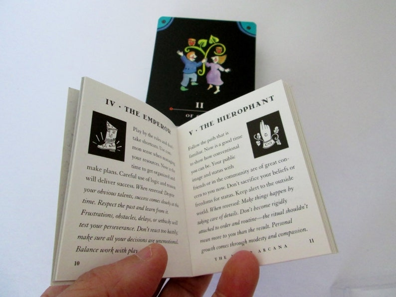 Small Full Tarot Deck 78 cards and 87 page book by Fairchild & Julie  Paschkis plus paper mat