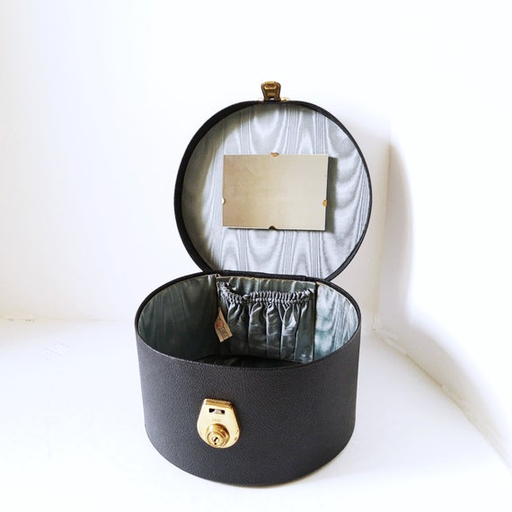 Round Box Purse, Made in England, Cheney Key Lock
