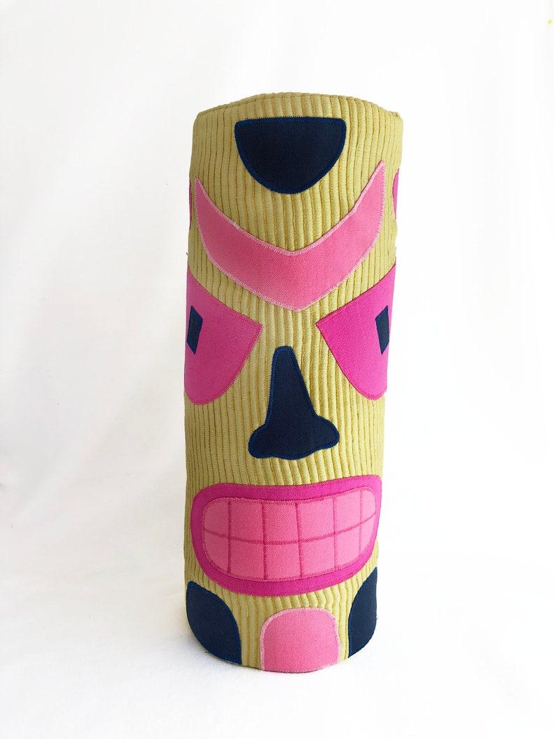 Pink Boomerang Tiki