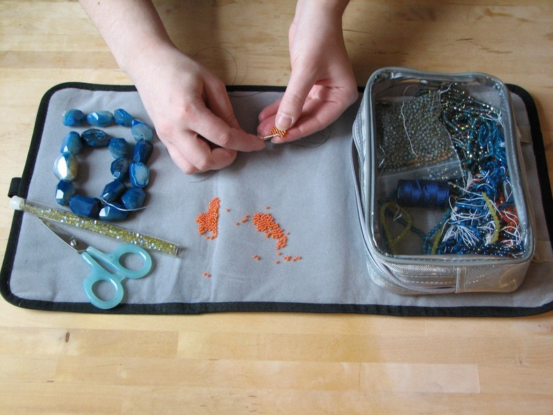 String-Me-Along bag and workspace combination image 0