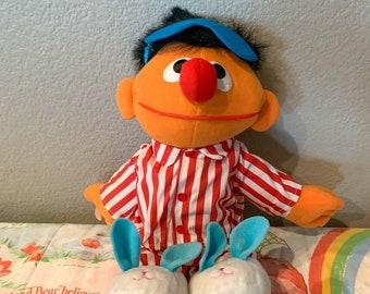 1996 Sleep & Sing Ernie with Tag *Works
