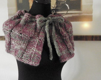 Exquisite Capelet - Grey and Pink