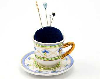 Pincushion 'Zyane' porcelain cup and saucer